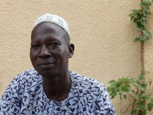 Portrait de Monsieur Coulibaly, tisserand traditionnel de Djibasso, Burkina Faso