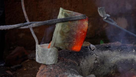 Coulée du métal en fusion
