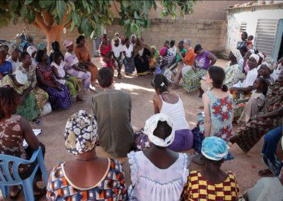 Réunion de concertation avec les femmes africaines, bénéficiaires de notre projet
